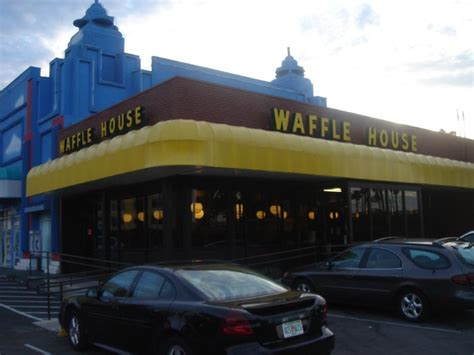 waffle house in orlando waffle house airport road 28 images waffle house diner 351 airport rd s pearl ms
