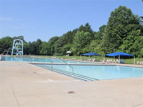 opening day   maplewood community pool maplewood