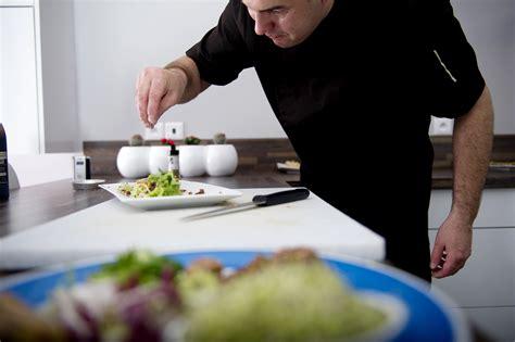 cuisine domicile cuisine a domicile excellent cuisinier domicile alpilles