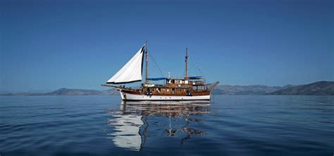 greek island boat tours bravobike greece guided bike and boat tours from athens