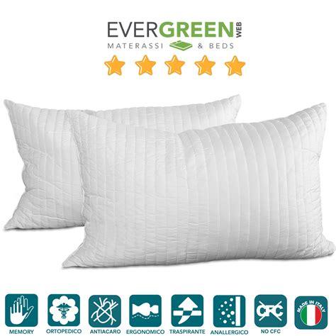 cuscini per cervicali coppia cuscini letto in fiocco memory foam effetto piuma