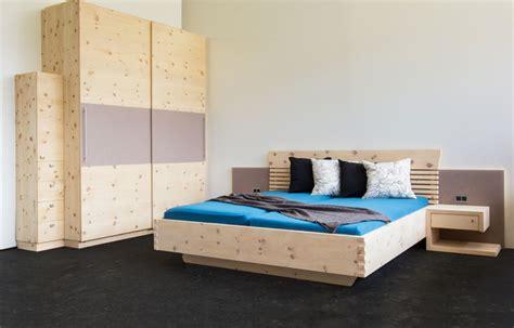 schlafzimmer zirbe modern zirbenholz schlafzimmer modern bigschool info