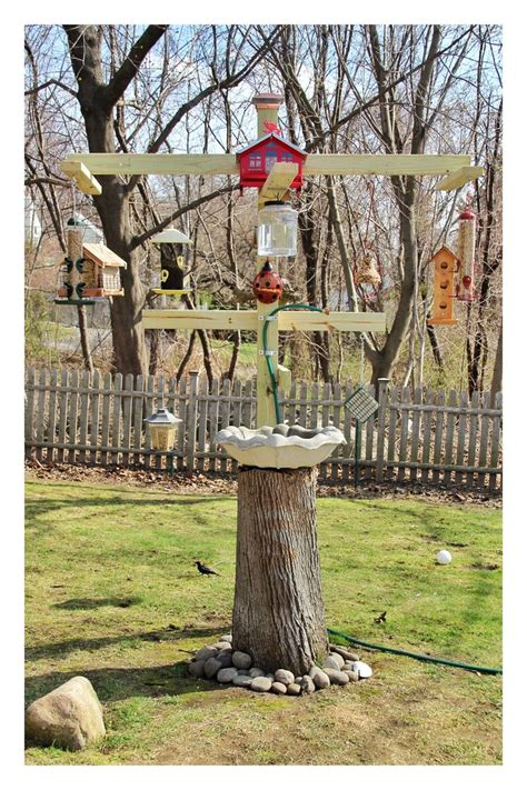 backyard bird feeding backyard bird feeding station outdoor crafts and ideas