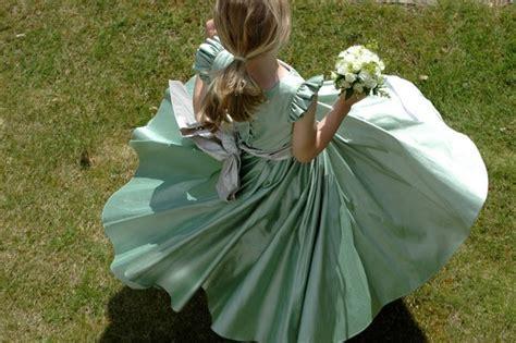 Viva la sposa!: Traditional flower girl dresses