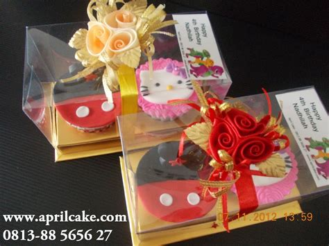 Figurine My Pony Isi 12 mickey mouse april cake