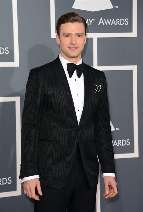 justin bieber on grammys 2013 grammy awards 2013 justin timberlake wears a suit bow