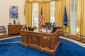 Trump Redesign Oval Office by Trump May Not Be Able To Work In The Oval Office For Over