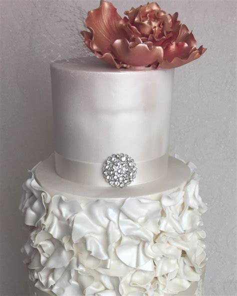 Wedding Cake East by Cakes Wedding Cakes East Doncaster Easy Weddings