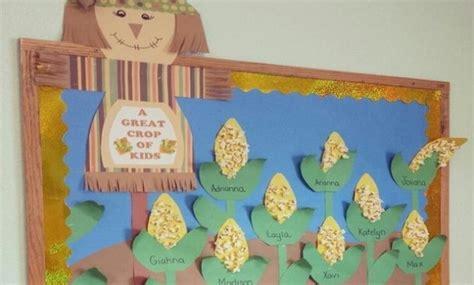cara membuat hiasan dinding untuk anak tk cara membuat hiasan dinding kelas dari kertas origami