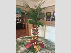 Pineapple palm tree centerpiece | party planning ... Luau Food Ideas For Party