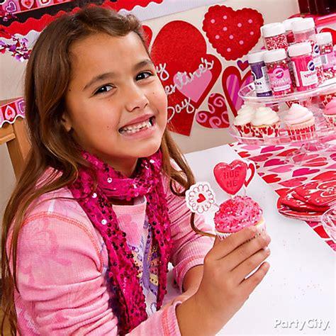 city valentines valentines day classroom cupcake decorating idea