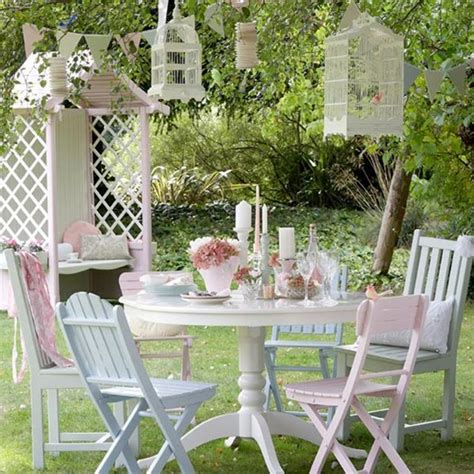 Handmade Garden Furniture - an easy garden furniture makeover handmade uk