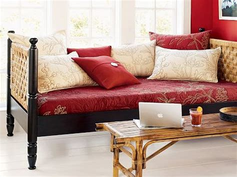 Elegant Daybeds Daybed In Living Room Ideas Living Room Daybed Living Room Furniture