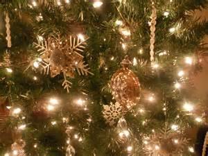 my frenchie n y nest o christmas tree