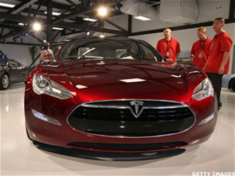 Apple To Buy Tesla Apple Would Be Nuts To Buy Tesla However Thestreet