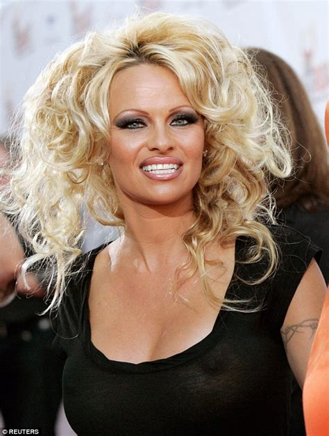 celebrities with bad hair the 10 worst celebrity hair extension disasters revealed