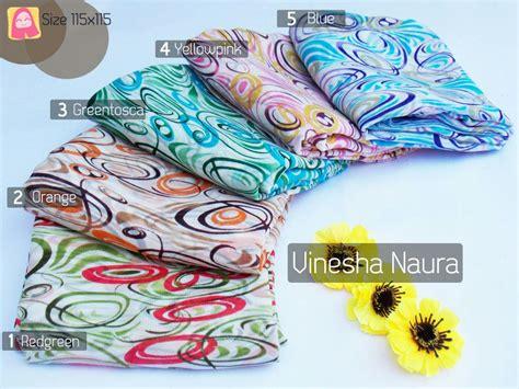 Segi Empat Bahan Velvet Uk 115x115 vinesha jilbab motif taqiyya collection