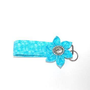 Clutch Kanzashi White shop flower key fob on wanelo