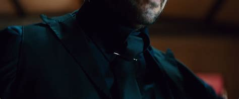 wick chapter 2 2017 collar bar pin keanu reeves in wick chapter 2 2017