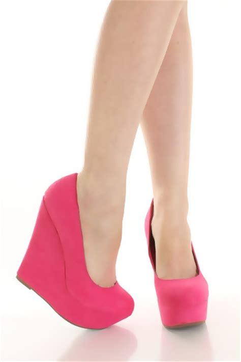 Sepatu Wedges Suede Pink pink faux suede platform wedges clubwear
