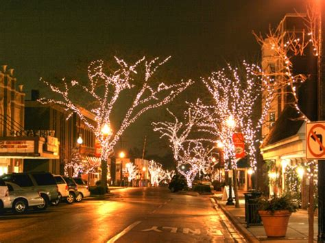 holiday fun this saturday and next in downtown wheaton