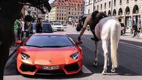 Lamborghini Drivers Is This Cop Fining A Lamborghini Driver While On A