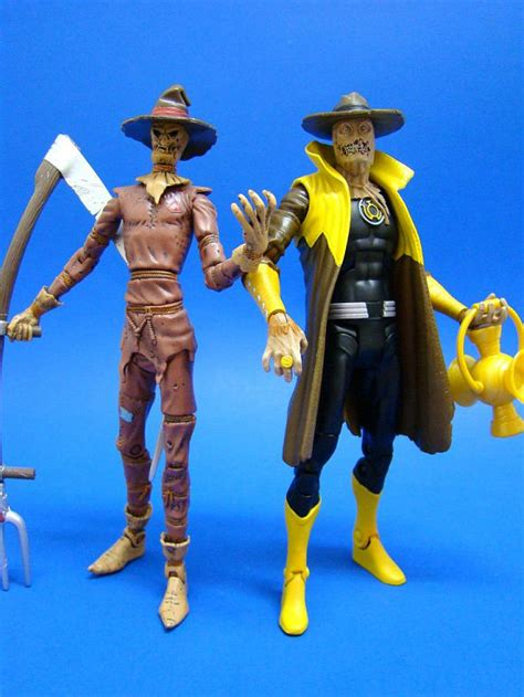Dcuc Wave 17 Figure 2 Sinestro Corps Scarecrow sinestro corps scarecrow the dc universe classics dcuc info archive