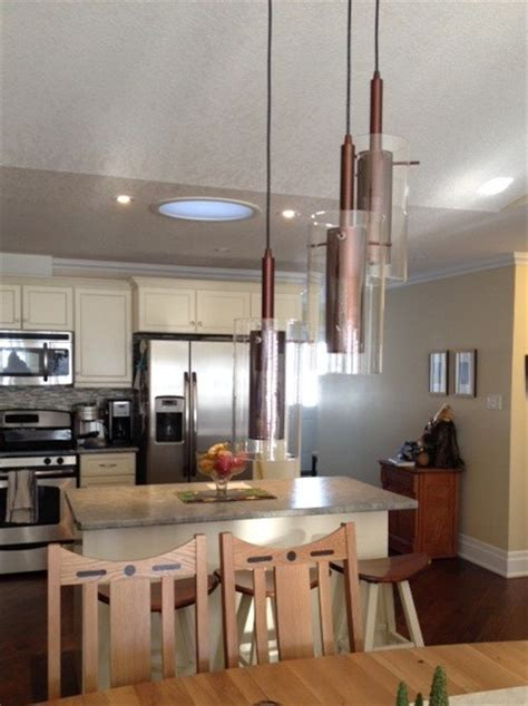 pendants lights in diningroom and island