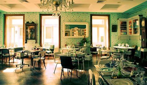 Orange Lawn Chairs Restaurante Pharmacia Fun Amp Funky For Fine Food In