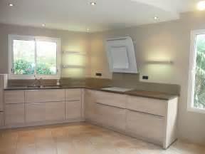 indogate cuisine moderne avec mur en