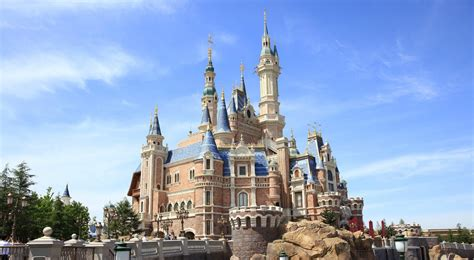 disney shanghai shanghai disney resort opens its gates here s what you