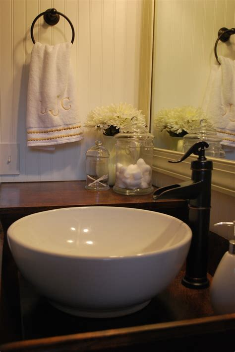Kitchen Faucets That Look Like Pumps Bathroom Bargains Thewhitebuffalostylingco