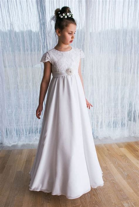 Dress Holy holy communion dress in white with delicate