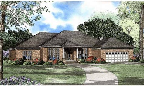 hip roof ranch house plans ranch house plans with hip roofs ranch house plans with in