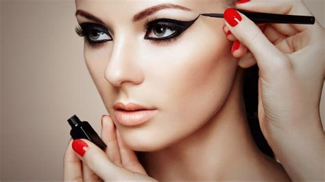 robert jones makeup masterclass a complete course in makeup for all levels beginner to advanced books makeup tutorial course makeup photography