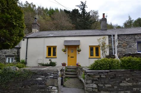 Cottages For Sale In Wales by 2 Bedroom Cottage For Sale In Braichmelyn Bethesda