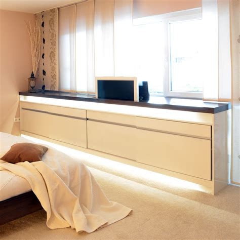 Schlafzimmer Mit Sideboard