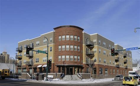Affordable Housing Mn by 429 Spirit On Lake Apartments In Minnesota Offer Lgbt