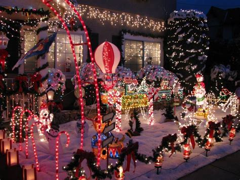 best home christmas decorations best neighborhoods for holiday home decorations 171 cbs san