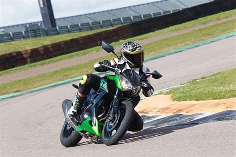 How Much Is A Kawasaki 300 by Kawasaki Z300 2015 On Review Mcn