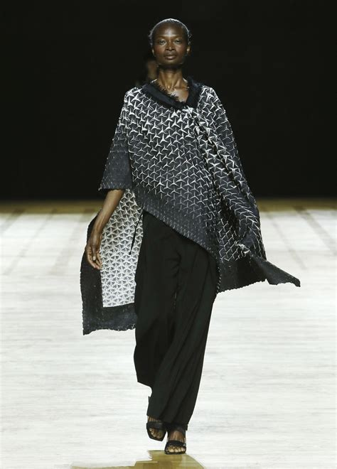 Issey Miyakes Populist Fashion by Issey Miyake ブランド Issey Miyake Inc