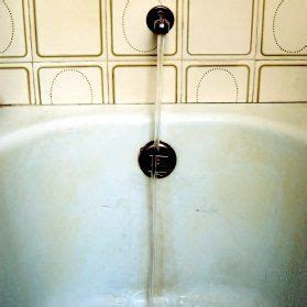 best way to clean an old bathtub 17 best ideas about plastic bathtub on pinterest clogged