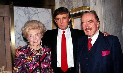 biographie de donald trump fact check donald trump s parents wore ku klux klan attire
