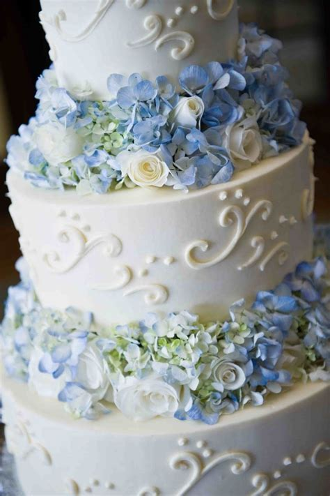 Best 25  Blue cakes ideas on Pinterest   Blue big wedding