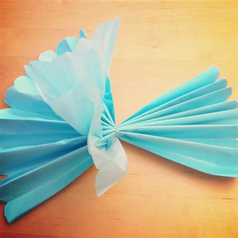 Make Paper Decorations - tutorial how to make diy tissue paper flowers