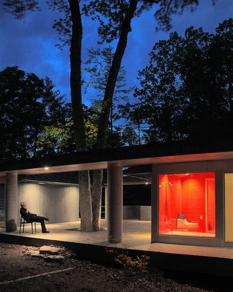 ladari di legno una casa in legno e vetro dove la natura 232 protagonista
