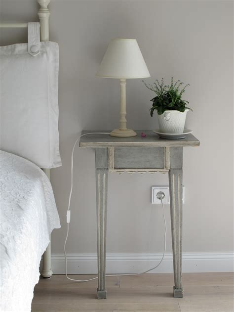 5 luxurious side tables to decorate your bedroom design home 5 feng shui rules to break