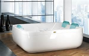wide bathtubs new aquasoul by
