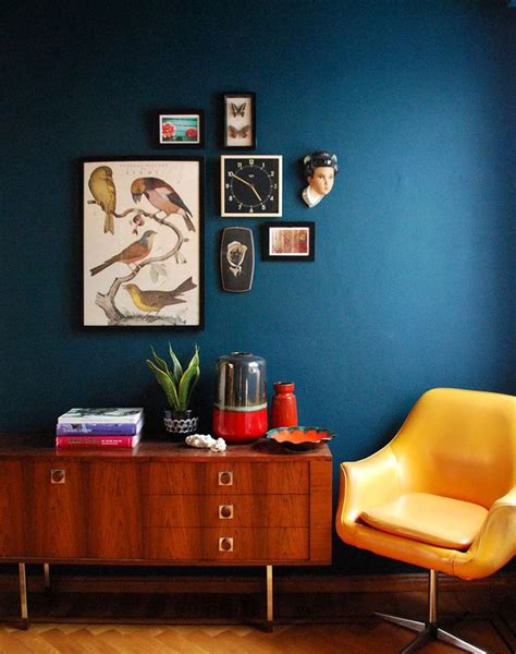 blue wall living room 25 best ideas about dark blue rooms on pinterest dark blue walls dark painted walls and navy