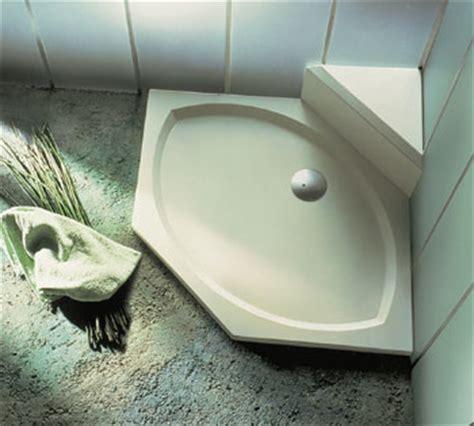 küche fliesen vor oder nach einbau so werden superflache duschwannen professionell eingebaut